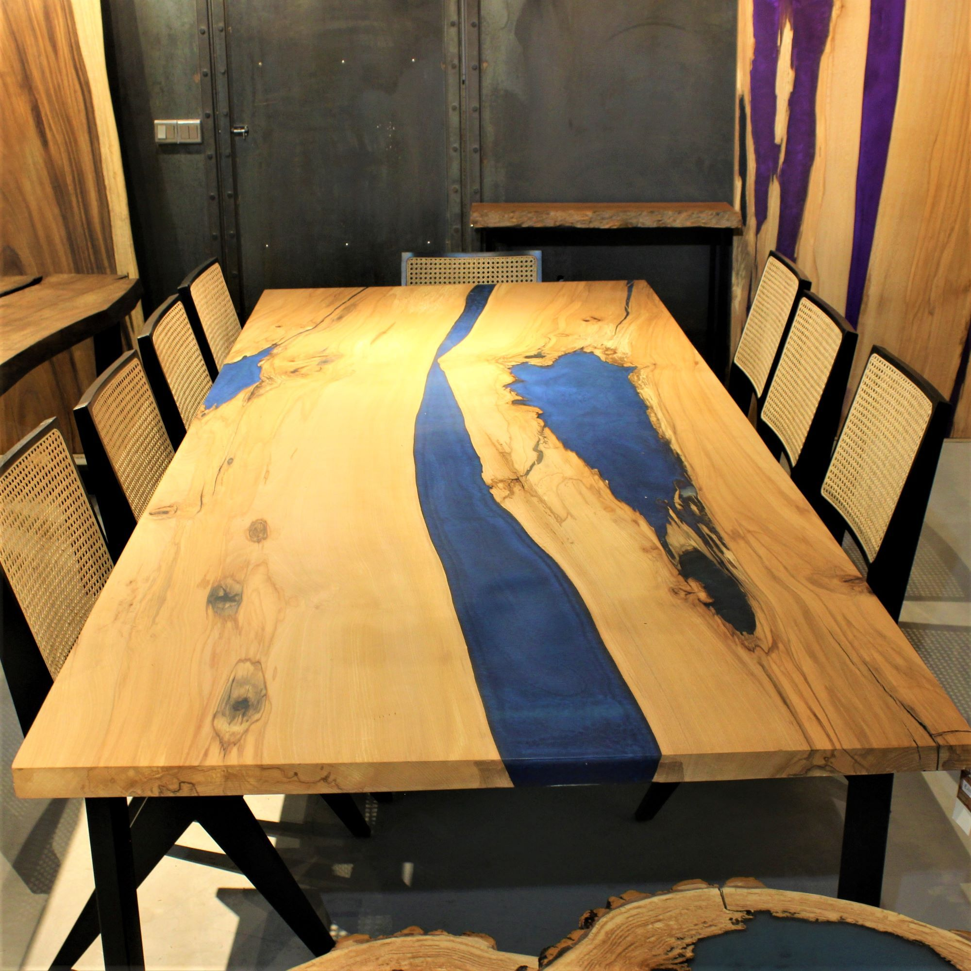 DT-22 Dining Table